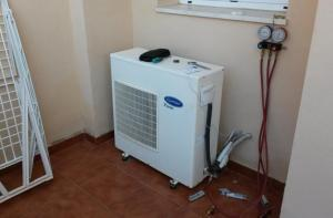 Technical Servicing of air conditioner in Marbella re-gasing, leak detection, high pressure test